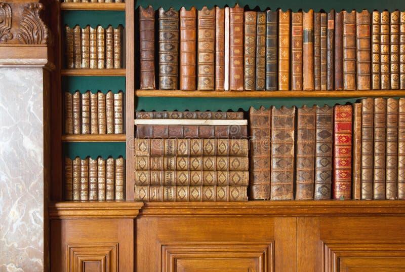 bookshelf A coleção de livros do vintage, livro antigo textured a tampa imagem de stock royalty free
