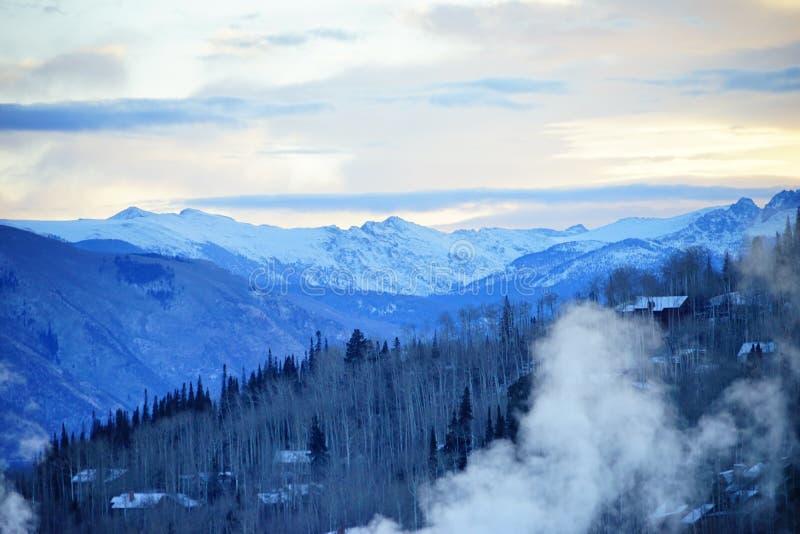 Download Boom en sneeuw in Colorado stock foto. Afbeelding bestaande uit groot - 107709194