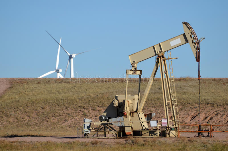 Booreiland met de Turbines van de Wind royalty-vrije stock fotografie