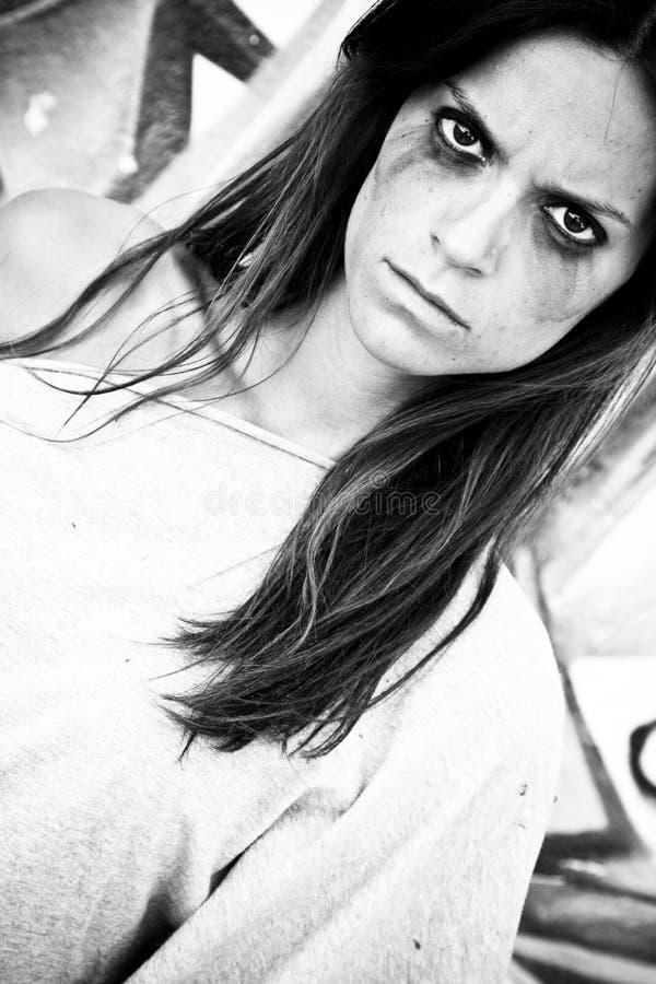 Boos vrouwenportret stock fotografie