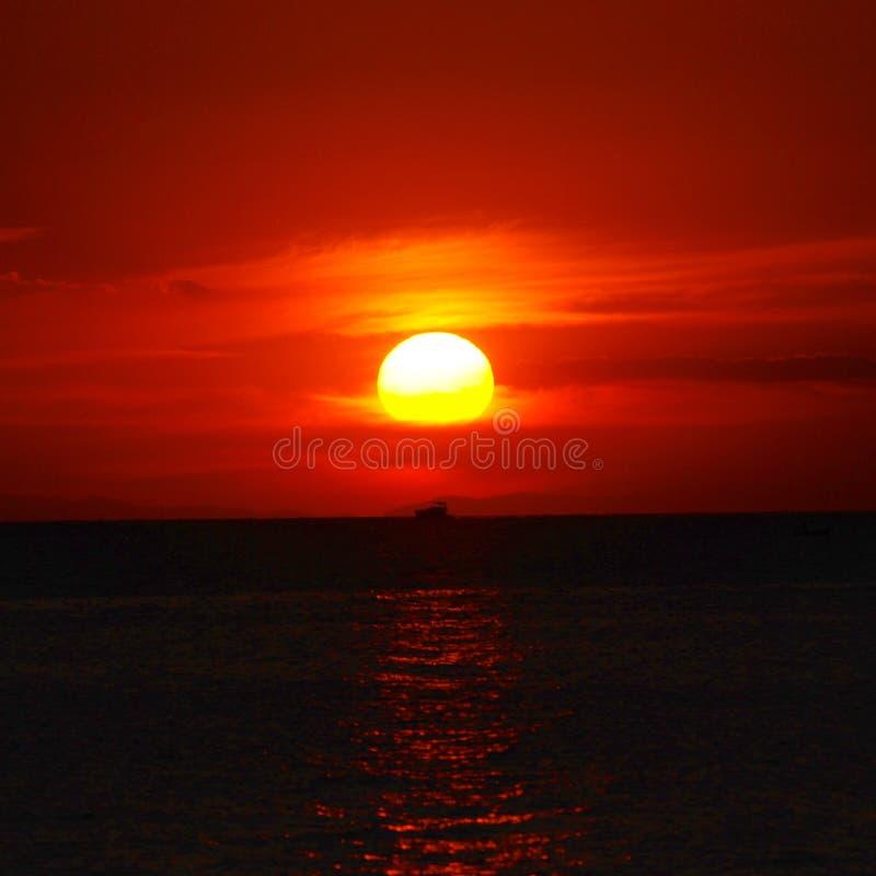 Boot & zonsondergang royalty-vrije stock foto