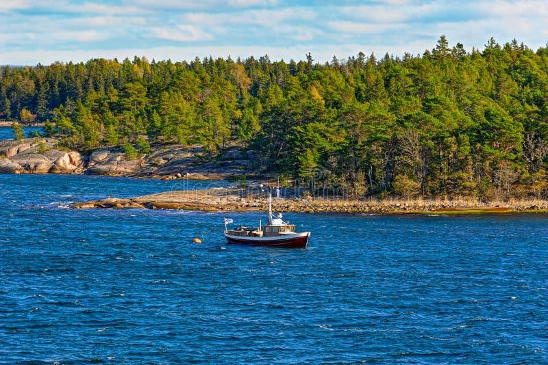 Boot in archipel skerries stock foto