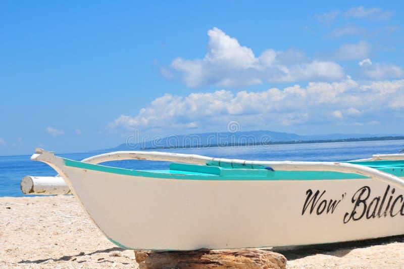 Boot auf dem Strand stockfotos