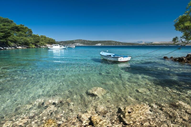 Boot auf dem Wasser stockfoto