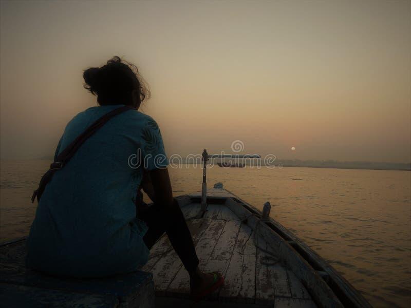 Boot beim Ganges, Varanasi stockfotografie