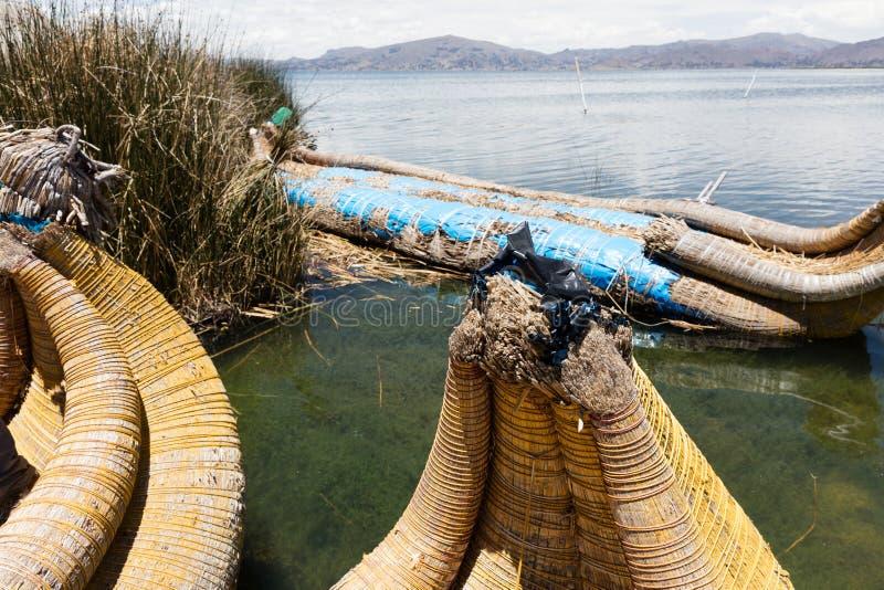 boot in de Uro-Eilanden, Peru stock foto