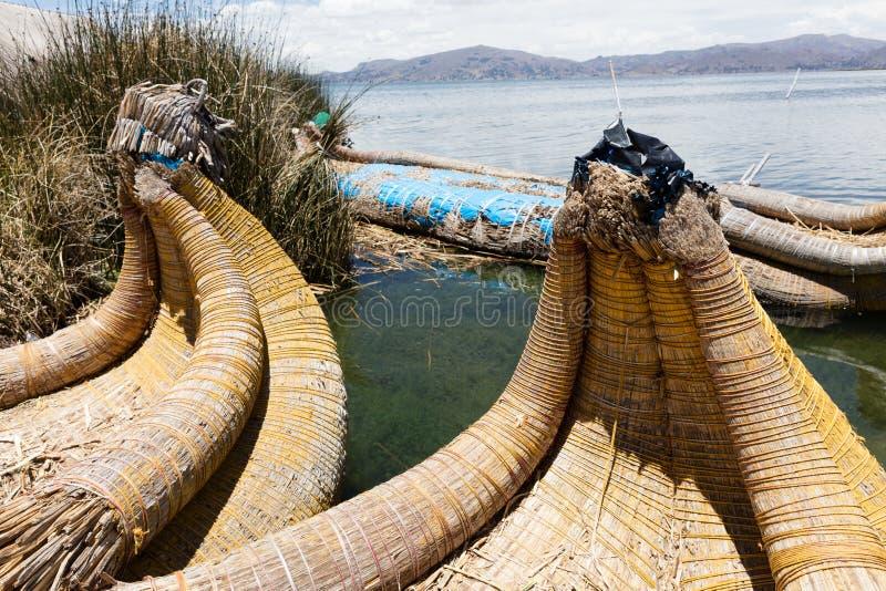 boot in de Uro-Eilanden, Peru royalty-vrije stock foto's