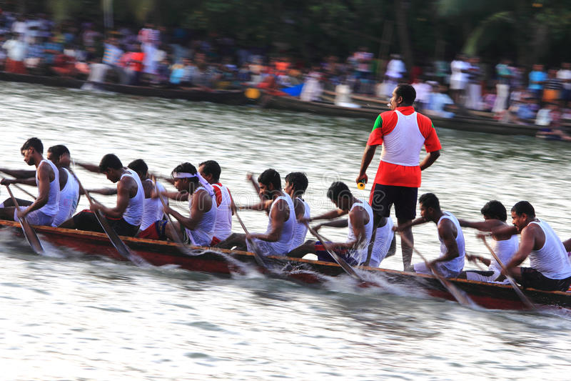 Boot die in Kerala rent royalty-vrije stock foto's