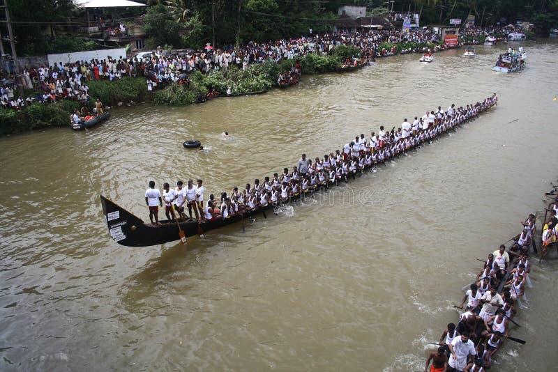 Boot die in Kerala rent royalty-vrije stock foto