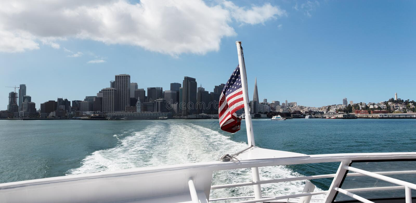 Boot die San Francisco verlaat royalty-vrije stock fotografie