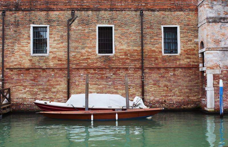 Boot, Fluss, Venedig, Ziegelstein, Wand stockfotografie