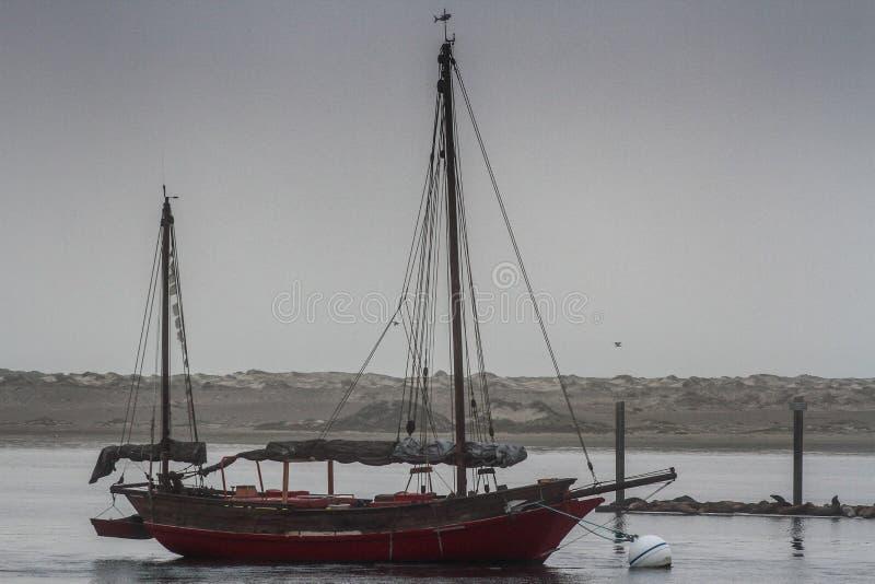 Boot in Morro-Baai stock afbeelding