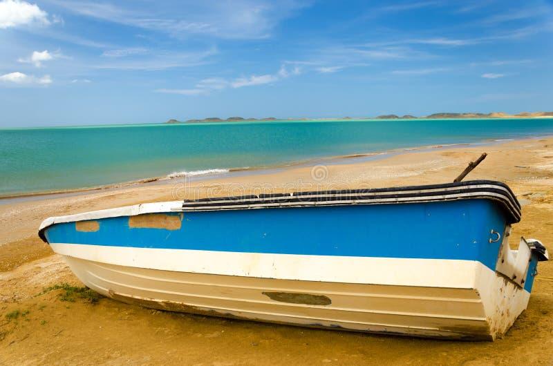 Boot op een Strand royalty-vrije stock foto