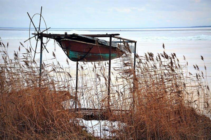 Boot op het meer stock fotografie