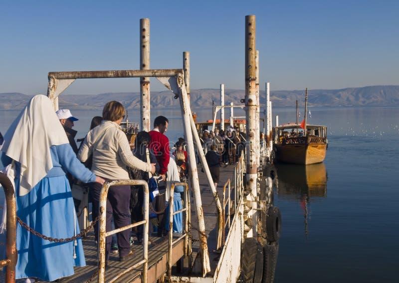 Boot op het overzees van Galilee stock afbeeldingen
