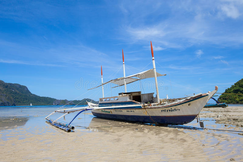 Boot op het strand Gr Nido, Filippijnen royalty-vrije stock foto's