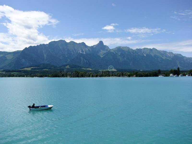 Boot op Meer Thun, Zwitserland stock afbeeldingen