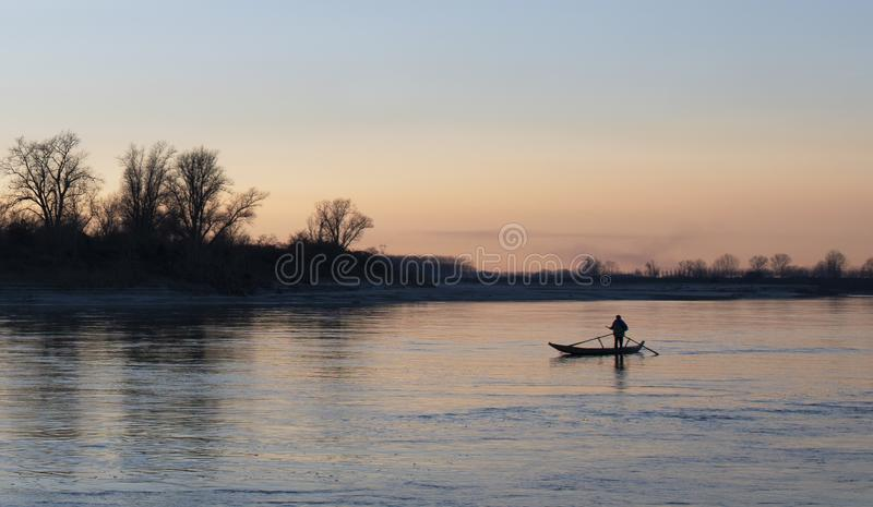 Boot op Po rivier - Cremona, Italië stock fotografie