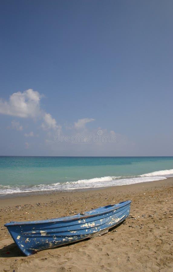 Boot op Strand stock afbeelding