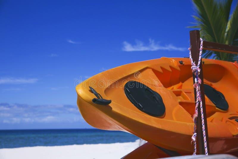 Boot op Strand stock foto's