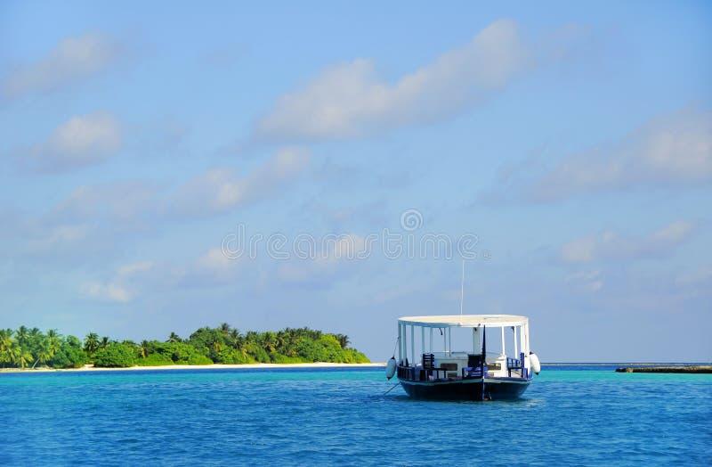 Boot op zee royalty-vrije stock fotografie