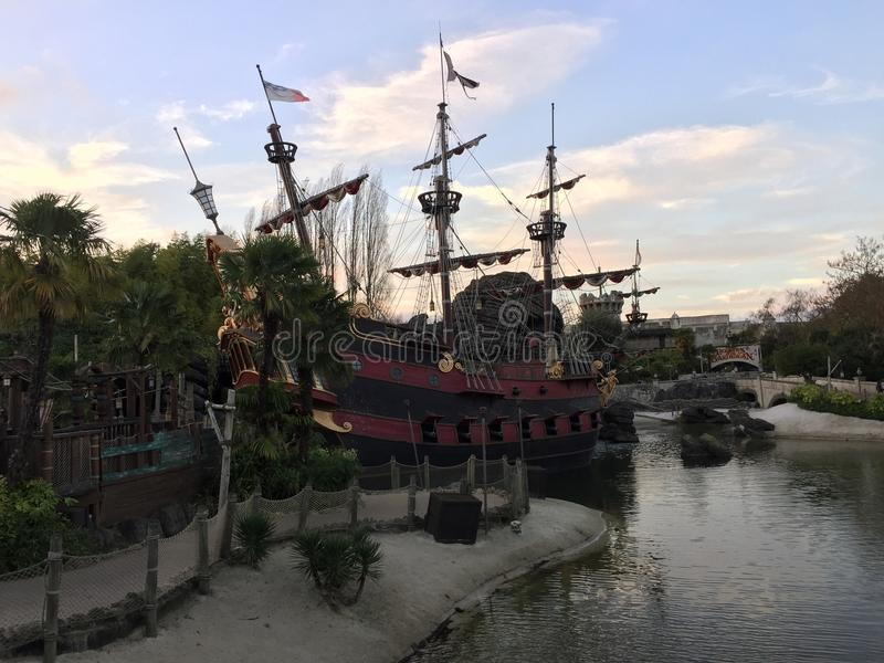 Boot Pirat Disneyland Paris stockbild