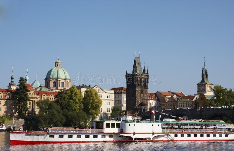 Boot in Prag lizenzfreies stockbild
