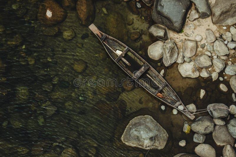 Boot in rivierhoek royalty-vrije stock foto's