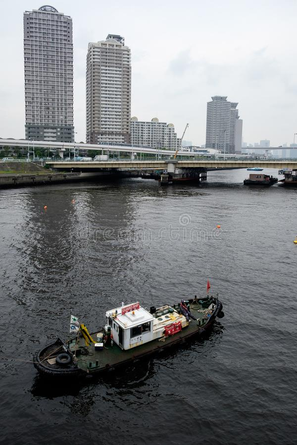 Boot in Tokyo-Bucht, Japan stockfotografie