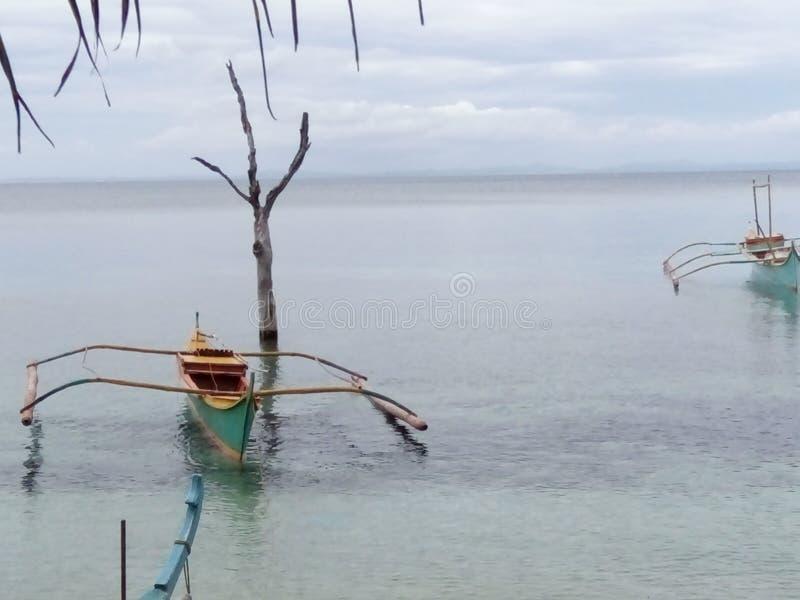 Boot und Wasser lizenzfreie stockfotografie