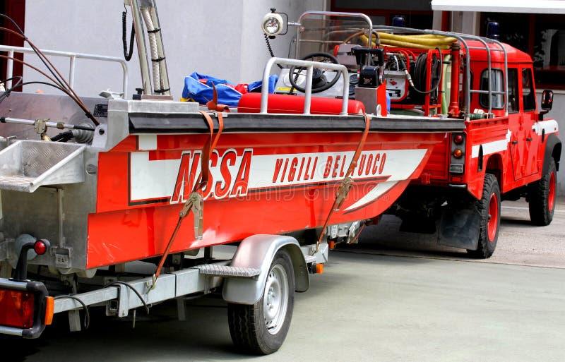 Boot van het Italiaanse Brandweerkorps voor redding tijdens vloed royalty-vrije stock afbeeldingen