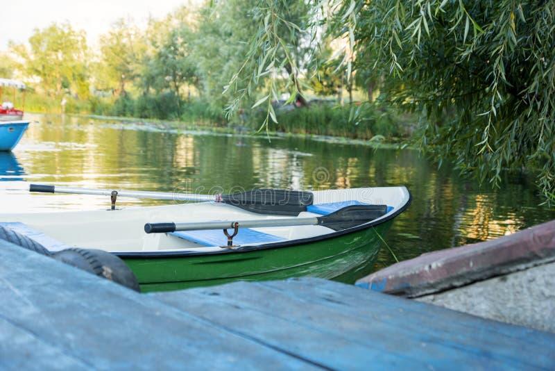 Boot voor een gang royalty-vrije stock afbeeldingen