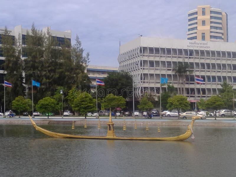 Boot in water royalty-vrije stock afbeeldingen