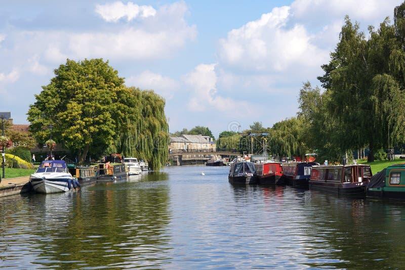 Boote auf dem Fluss großes Ouse, Ely, Cambridgeshire stockbild