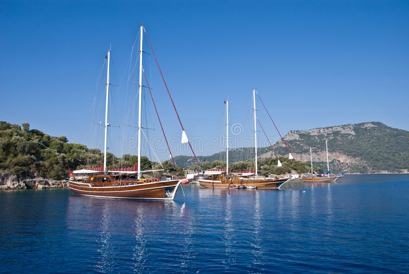 Boote auf dem Mittelmeer stockfoto