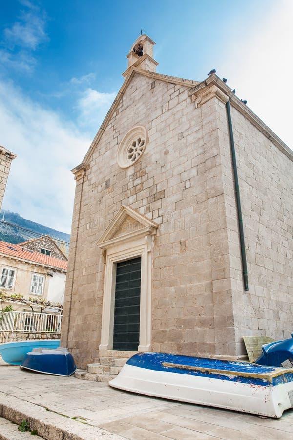 Boote auf der Stra?e an Dubrovnik-Westpier lizenzfreie stockbilder