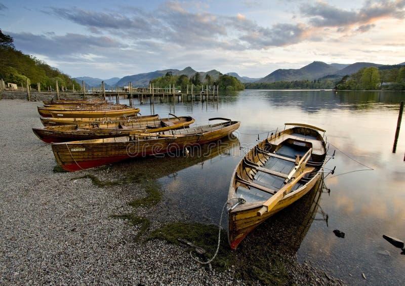 Boote auf Derwent-Wasser stockfoto
