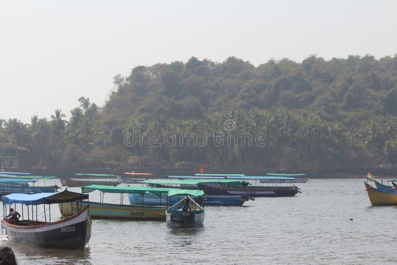 Boote auf Wasser lizenzfreies stockfoto