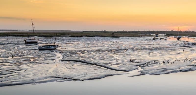 Boote bei Sonnenuntergang stockfoto