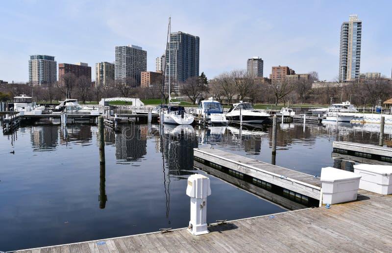 Boote in einem Hafen, Milwaukee WI, USA lizenzfreie stockfotografie