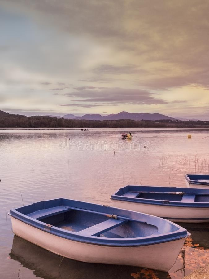 Boote im Banyoles See stockfoto