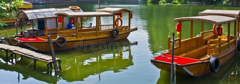 Boote im Wasser des Litschis bellen, südlich von China lizenzfreie stockfotos