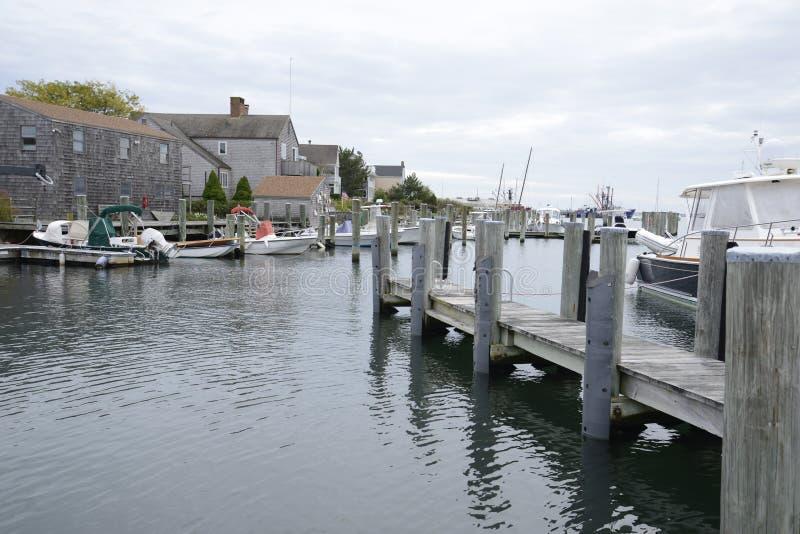 Boote koppelten im Hafen durch Stonington Connecticut an lizenzfreie stockfotos