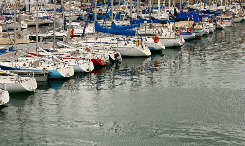 Boote und Yachten lizenzfreies stockbild