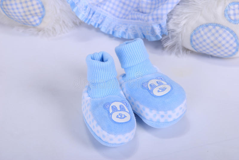 Bootees dei piccoli bambini blu fotografia stock