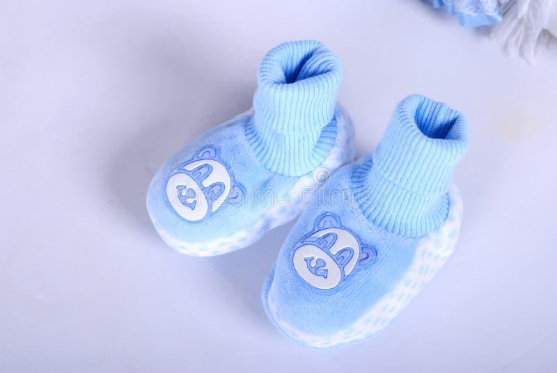 Bootees dei piccoli bambini blu fotografie stock libere da diritti