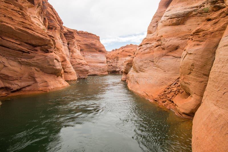 Bootfahrt auf See Powell, Arizona lizenzfreies stockfoto