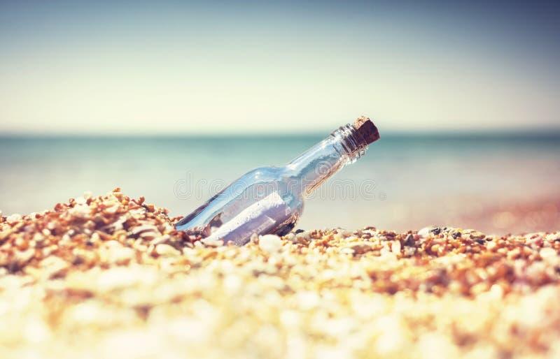 Bootle en la playa imagen de archivo