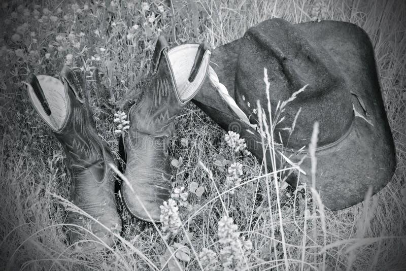 boots шлем травы bw стоковое фото