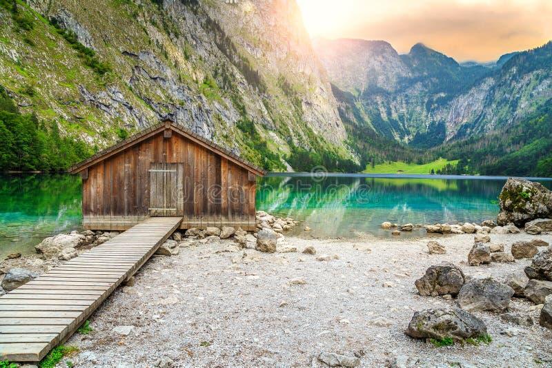 Download Bootsdock Auf Obersee Alpinem See, Berchtesgaden, Bayern, Deutschland, Europa Stockfoto - Bild von schön, panorama: 90237266